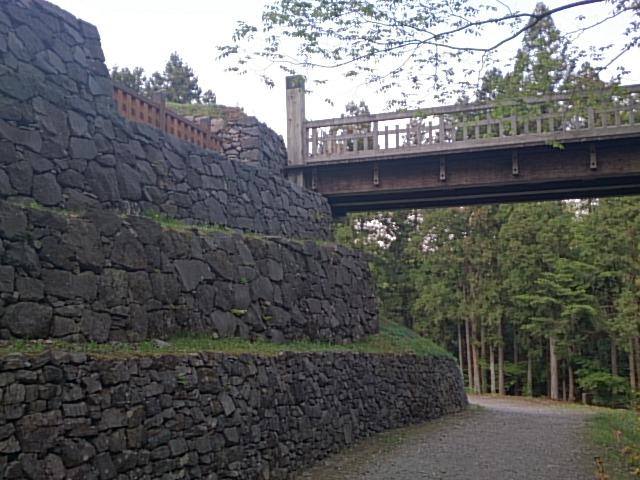 八王子城:豊臣軍に落とされた北条氏照の居城 日本100名城の一つ八王子城【お城特集 日本の歴史】