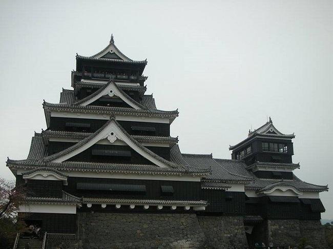 熊本城:加藤清正苦心の城 石垣が立派な新緑の熊本城 【お城特集 日本の歴史】