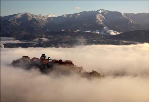 越前大野城:信長の家臣金森長近により築城された天空の城 大野城【お城特集 日本の歴史】