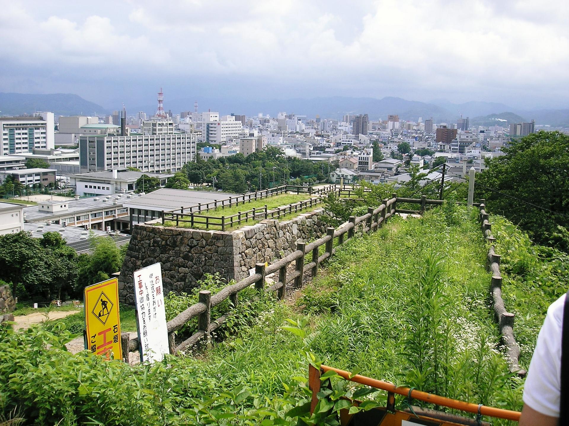 鳥取城:戦国時代には山名豊国が羽柴秀吉の籠城攻めにて落城 鳥取城【お城特集 日本の歴史】