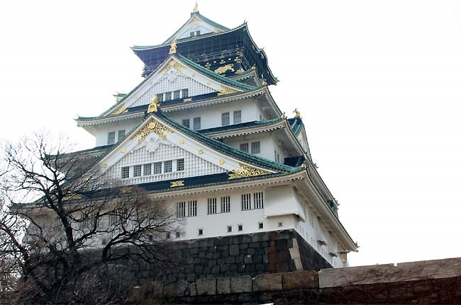大阪城 豊臣秀吉築城(1/800)日本の名城プラモデル 屋根ゴールドメッキ豪華版
